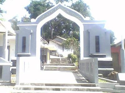 Wisata Spiritual dan Berdoa di Makam Syech Makukuhan Temanggung